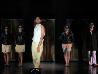 "Foto Rima Maroun // Szene aus der Inszenierung ""I see my ghost coming from afar"", Theatergruppe Seenaryo (Libanon)"